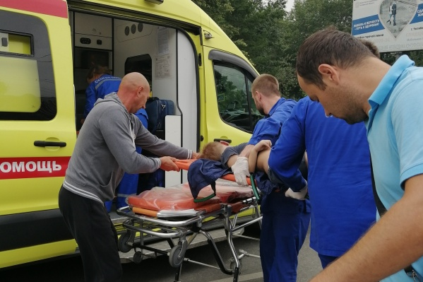 Авария произошла на улице Кирова между Калинина и Братьев Кашириных<br>