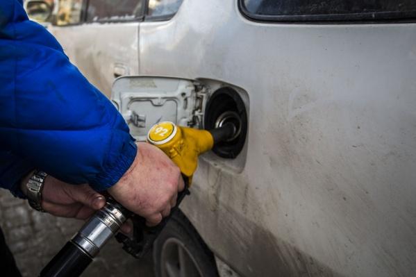 По доступности бензина Новосибирская область сильно отстаёт от лидеров рейтинга
