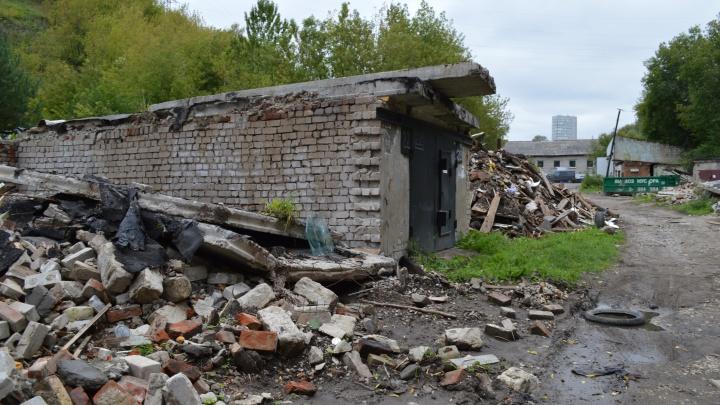 СК обратился к владельцам гаражей на Разгуляе, которые сносили для строительства театра