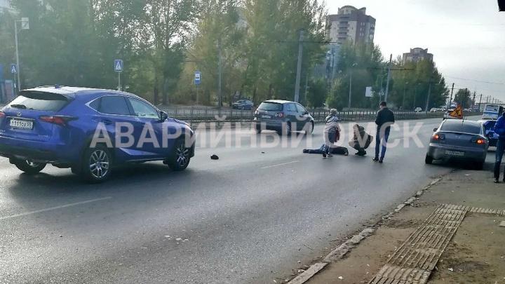 Омичка на «Лексусе» сбила пенсионера на «зебре» возле кинотеатра «Первомайский»