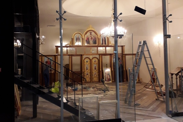 Самарцы думают, что это помещение готовят под церковь