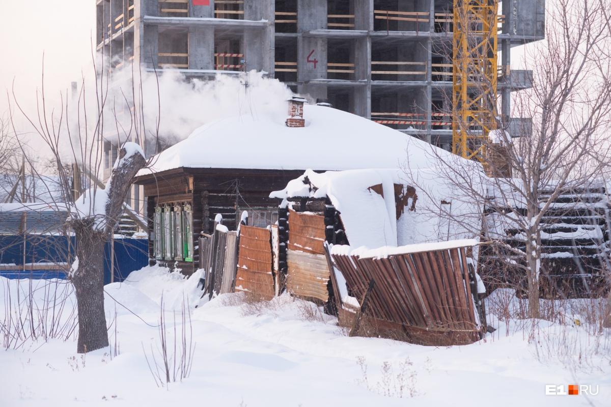 Морозный плен: как Екатеринбург разгребали от снега