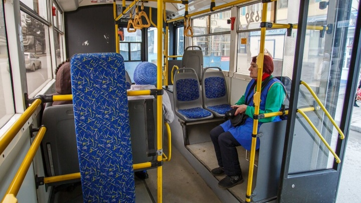 «Кондуктора помогали пассажирам»: авария в центре Волгограда парализовала движение троллейбусов