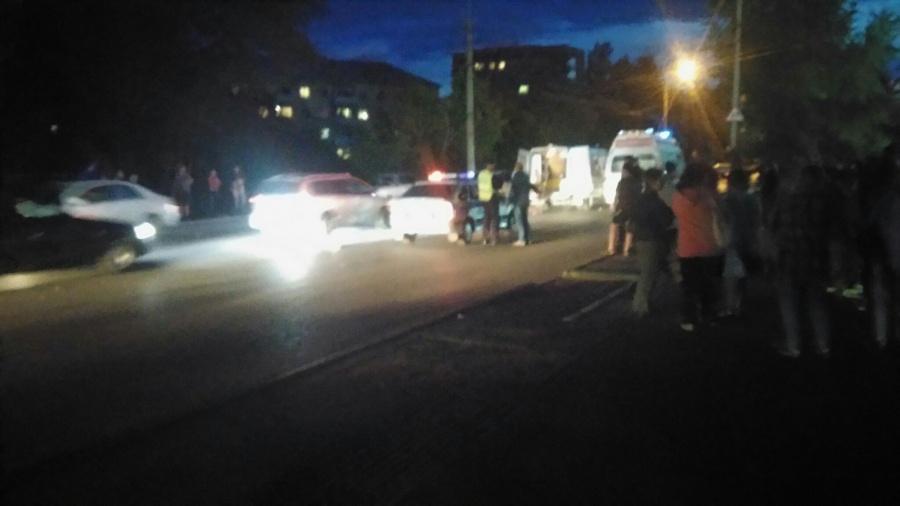 ВОмске мотоциклист сбил напешеходном переходе мужчину с сыном