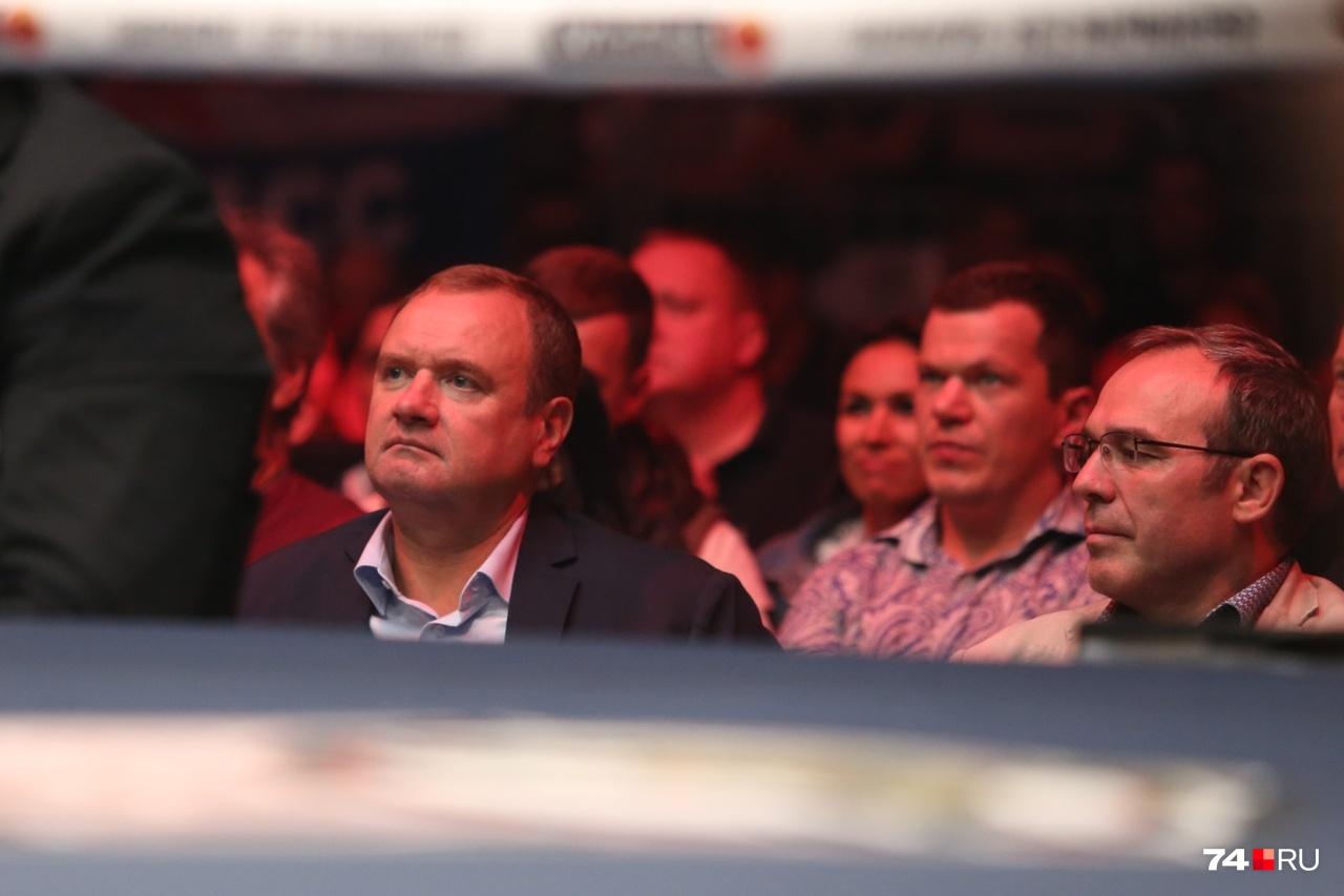 Глава ГУ МВД региона Андрей Сергеев (слева) тоже традиционно не пропустил спортивное событие