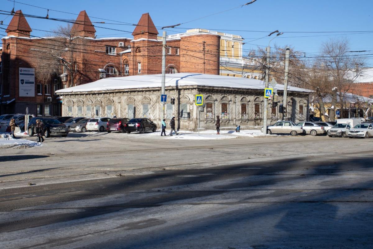 На здание в самом сердце Челябинска претендовали двое