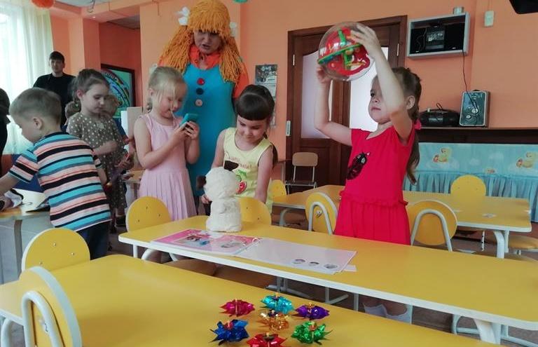В детсадах стали учить накоплению денег и экономии через настольные игры