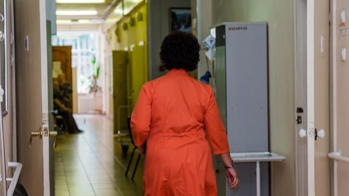 «Создают угрозу для посетителей»: в пермской больнице № 6 нашли нарушения пожарной безопасности