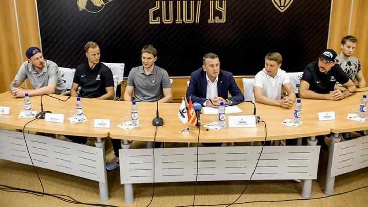 Добро пожаловать: «Трактор» на пресс-конференции представил новичков сезона
