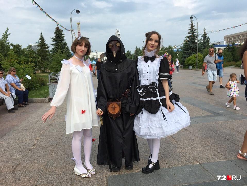 Слева направо:Анна, Татьяна и Софья