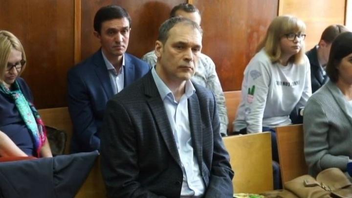 Суд отказался освободить экс-главу Верх-Исетского района, пойманного за взятку в 150 тысяч рублей