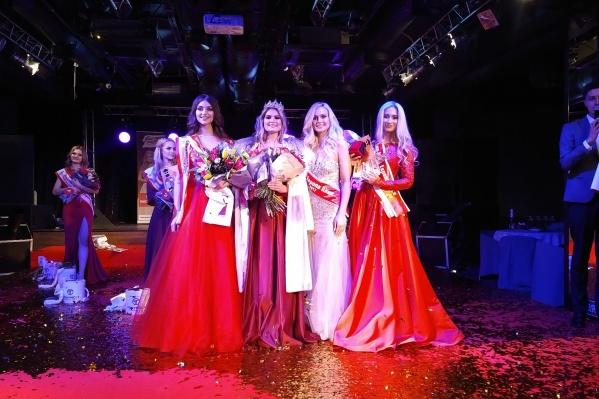 Призёры конкурса красоты «Мисс Европа Плюс –2018». Светлана Сарычева —вторая слева
