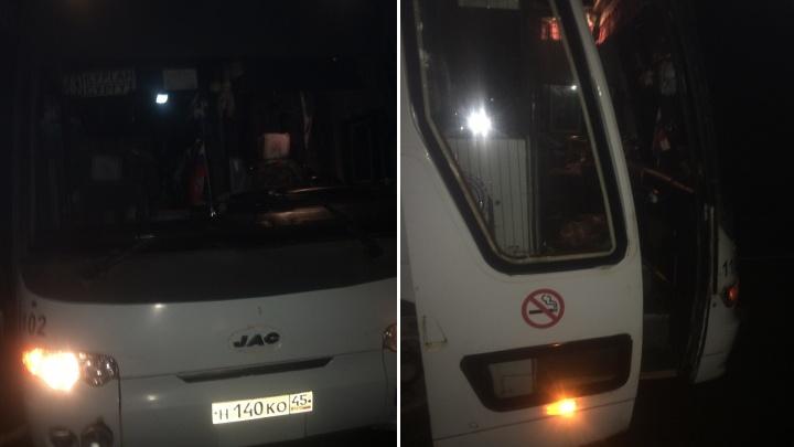 Пассажиров автобуса Курган — Сургут, вставшего на трассе, доставили в Тюмень с задержкой в 4 часа