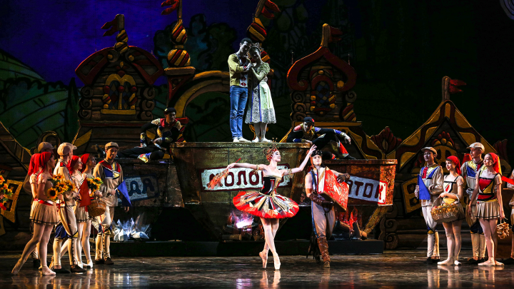 «И под песню дурака кони пляшут трепака»: в Башкирской опере станцевали сказку «Конек-Горбунок»