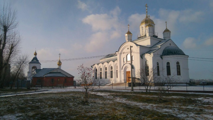 В сквере «Энтузиастов» открыли и освятили новый просторный храм