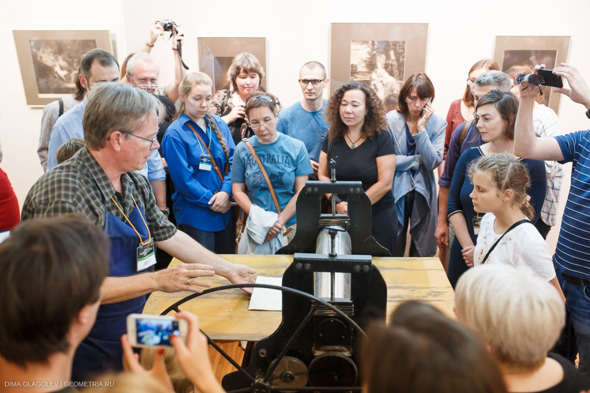 Демонстрировать своё мастерство решились художники из 11 стран