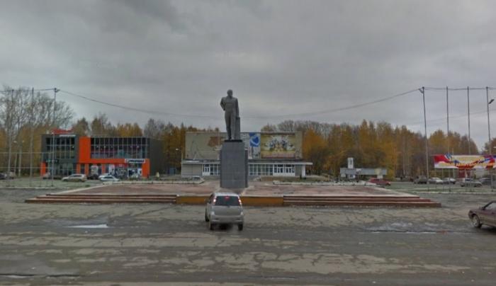 На месте памятника, который стоит на центральной площади Победы, сделают12-метровый светомузыкальный фонтан