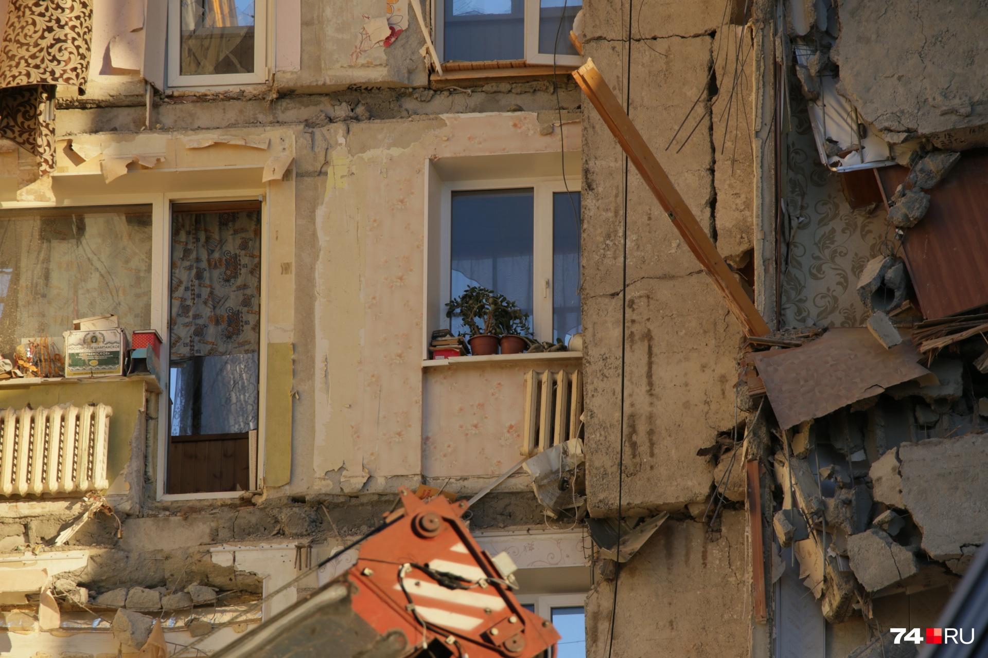 От квартир седьмого подъезда осталась только одна стена