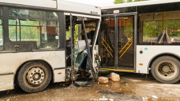 """«Кондуктор говорила: """"Давай не поедем!""""»: перевозчик рассказал об аварии с 37-м автобусом в Перми"""