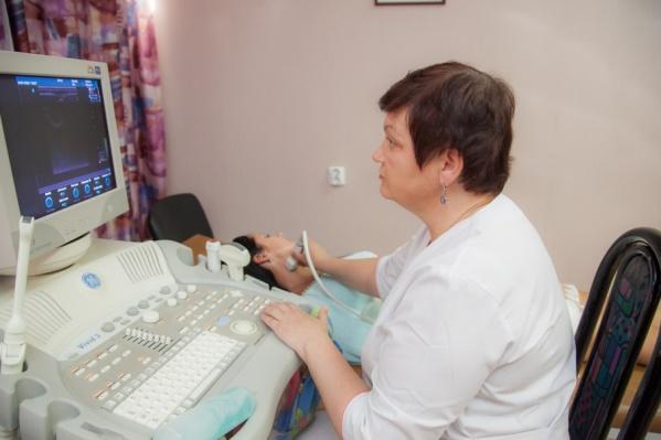 В Соловецкой больнице подготовлен УЗИ-кабинет — закуплена необходимая медицинская мебель. Врач, который будет работать с аппаратурой, прошел соответствующее обучение и имеет сертификат