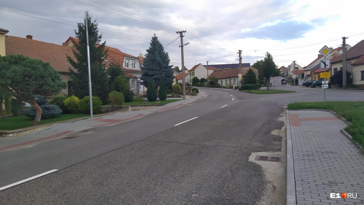 УлицыВрбице. Совсем не похоже на нашу деревню, правда?