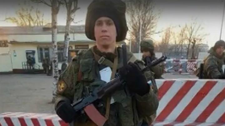 «Бил за оплошности»: после гибели южноуральского срочника в Уссурийске арестовали командира взвода