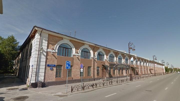 Переезд отменяется: тюменский военкомат вернул себе историческое здание на Республики