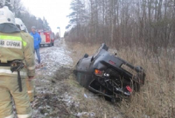Не справился с управлением и вылетел в кювет: в ДТП в Ярославской области пострадал водитель