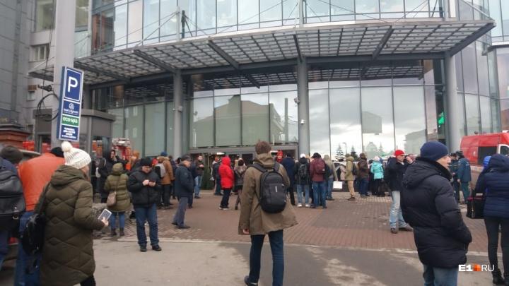 Владелец «Высоцкого» рассказал, из-за чего произошел пожар в небоскребе