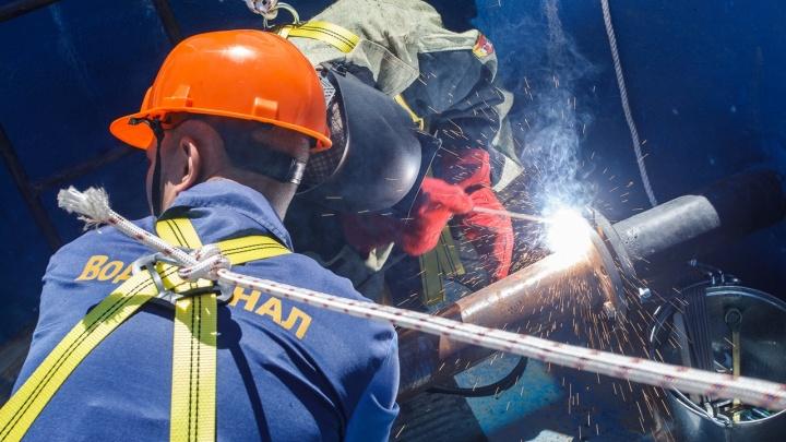 Потому что часто ломается: водопроводчики Волгограда победили в коммунальной схватке на полигоне