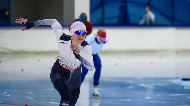 Юбилей «уральской молнии» и коньки из крема: Челябинске принял чемпионат России