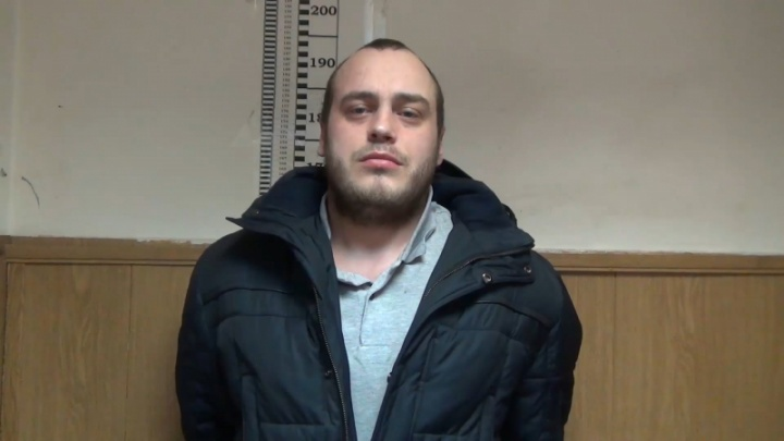 «Помогли записи с видеокамер»: под Петербургом архангелогородец напал с ножом на 90-летнего мужчину
