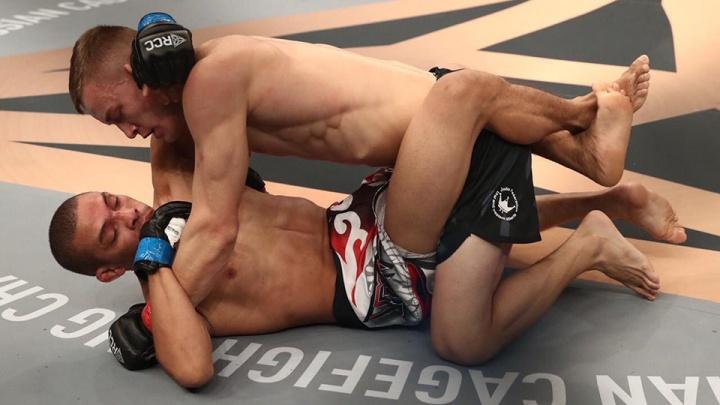 Сражается только с самыми сильными: челябинский боец Лаврентьев «задушил» бразильца на турнире RCC6