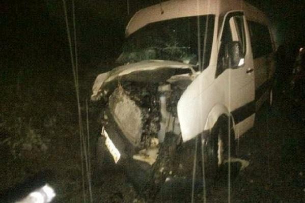 Автобус сильно пострадал во время аварии