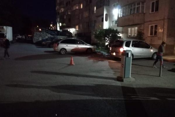 ДТП случилось на внутриквартальном проезде возле дома № 14 по улице Лазурной