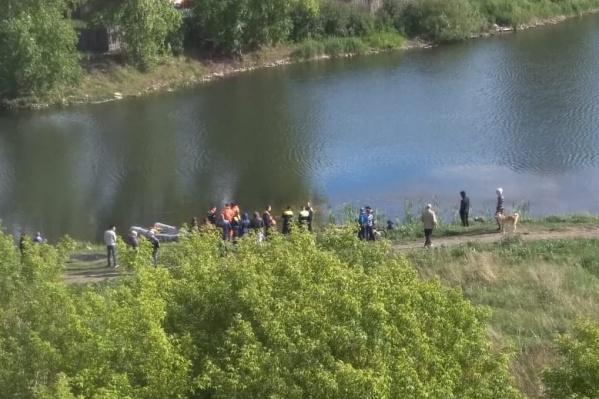 Очевидец пытался спасти мужчину, но не нашёл даже тело