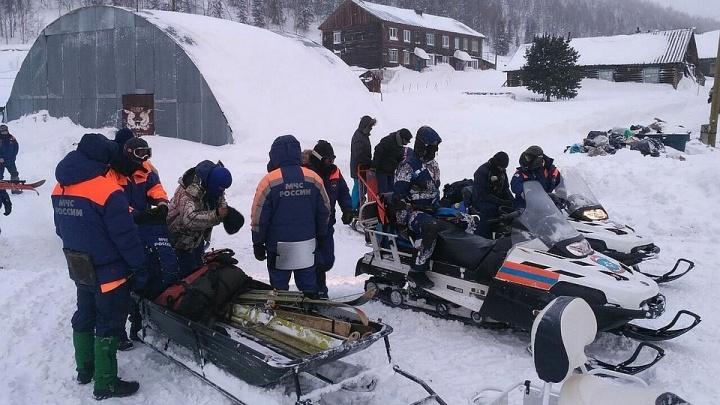 Спасатели до весны свернули поиск потерявшихся в Приисковом туристов