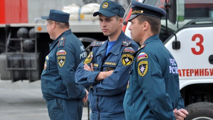 Свердловское МЧС объявило предупреждение из-за высокой угрозы пожаров