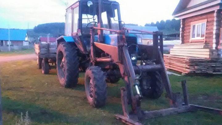 В Башкирии мужчина погиб под колёсами трактора