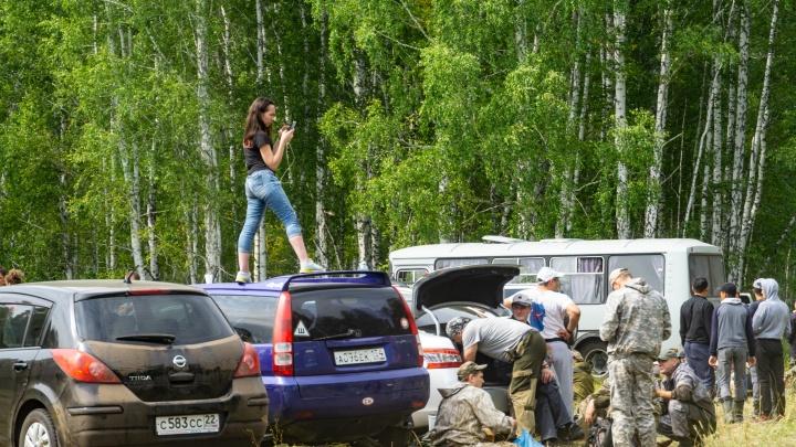 Волонтёров после поисков Коли Бархатова попросили вернуть рации и навигаторы