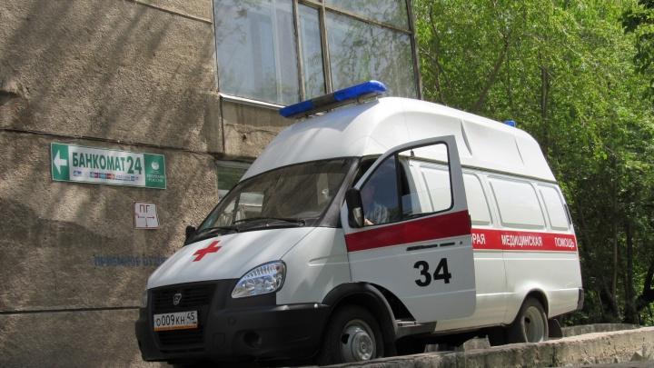 Девять машин скорой помощи поступят в Курганскую область