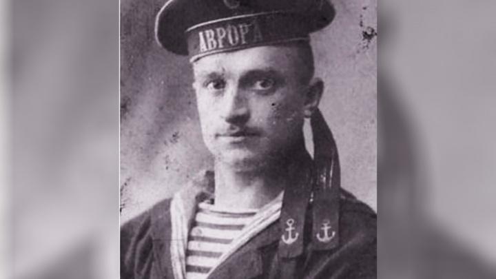 В Ростове вандалы разрушили памятник матросу легендарного крейсера «Аврора»
