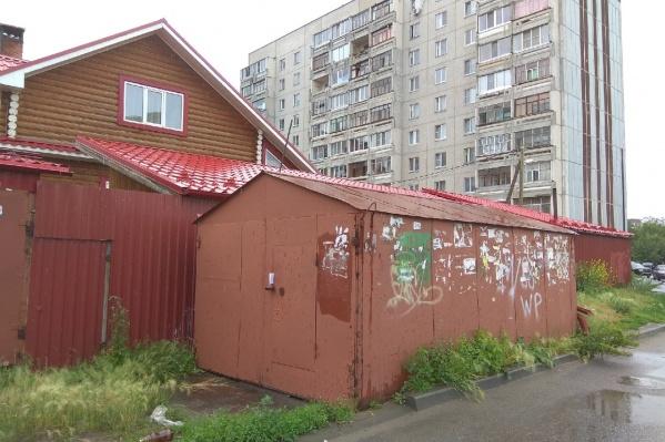 Горожанам сначала предоставляют возможность самим демонтировать незаконное строение