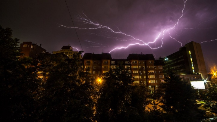 Вспышка в голову: как спастись от молнии во время грозы