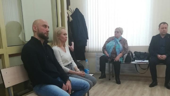 В Перми гособвинитель запросил 400 часов обязательных работ гендиру «Экола» за избиение студентки