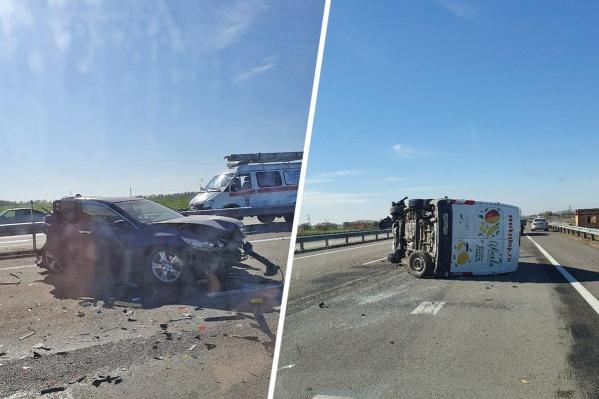 В аварии на трассе пострадали три человека