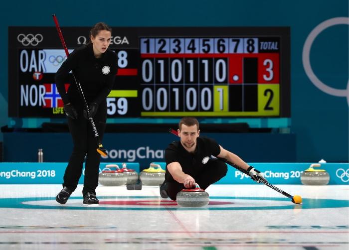 Анастасия Брызгалова и Александр Крушельницкий принесли первую победу нашей сборной