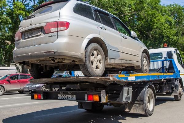 Запрет на парковку начнёт действовать во второй половине лета — за нарушителями приедет эвакуатор