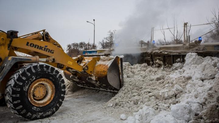 С первым снегом: в Новосибирске откроют третью снегоплавильную станцию