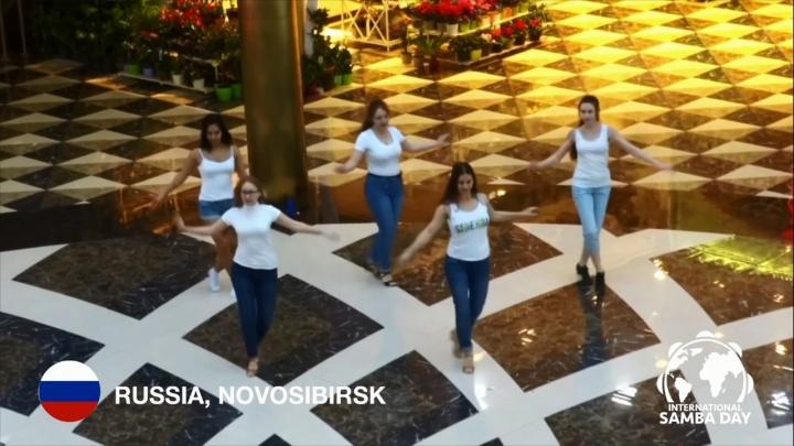 Новосибирские танцовщицы приняли участие в международном флешмобе